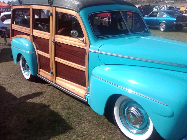 Car Show HR blue woodie